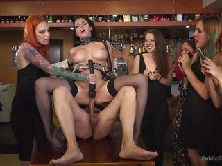 Порно первый раз ганг банг