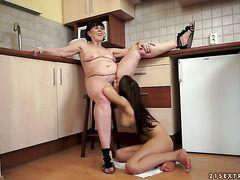 Зрелые лесбиянки порно онлайн бесплатно