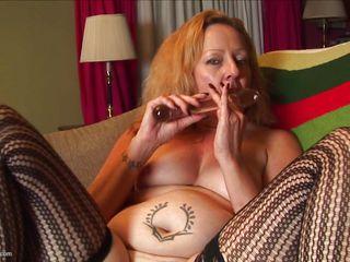 Порно с мамками с большими задницами