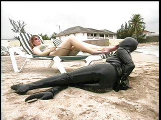 Блондинки на пляже порно