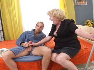 Групповой секс с бабушками