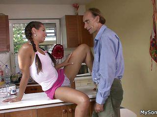Порно старик и медсестра